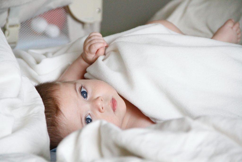 Scopriamo insieme come toglierci l'anisa della bilancia per i nostri neonati!